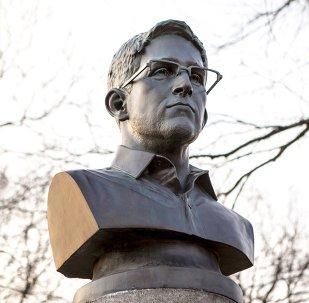 Buste d'Edward Snowden