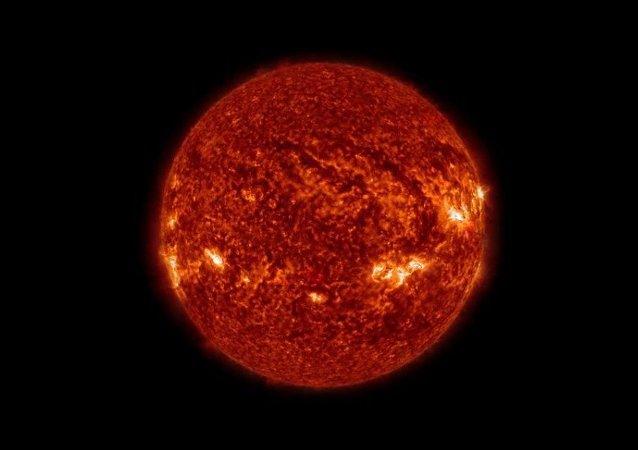 Soleil: quatre ans d'observation en quatre minutes