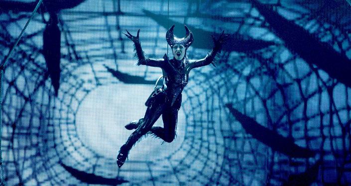Паучиха Тарантула из шоу Zarkana от Cirque du Soleil