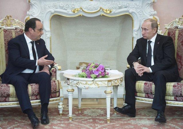 Rencontre entre Vladimir Poutine et François Hollande