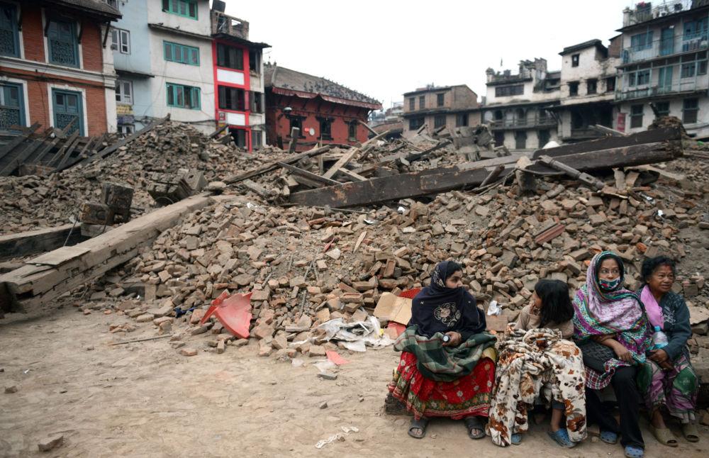 Katmandou: un bâtiment en ruines