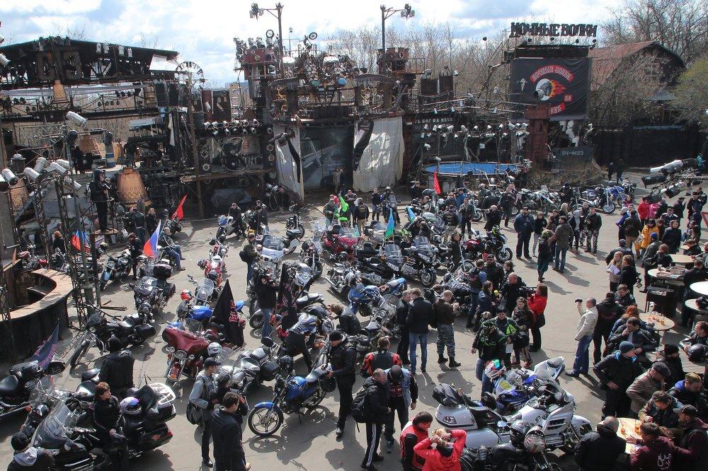 Départ du rallye Moscou-Berlin