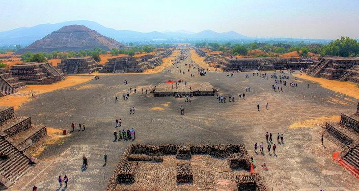 Vue sur Teotihuacan