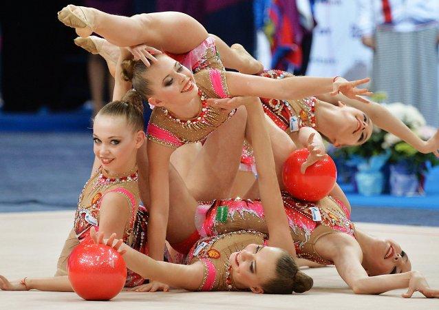 La magie de la souplesse et de la grâce aux Championnats d'Europe de gymnastique rythmique