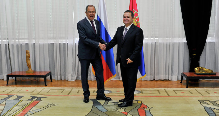 Sergueï Lavrov (à gauche) et Ivica Dacic