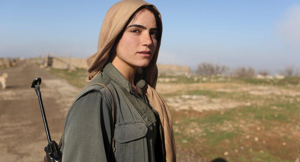 Une combattante kurde