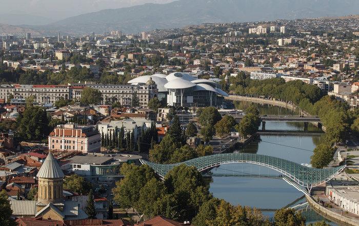 Sputnik à Tbilisi: «Salut, je viens de Russie! On se fait des câlins?» (vidéo) Nouvel Ordre Mondial, Nouvel Ordre Mondial Actualit�, Nouvel Ordre Mondial illuminati