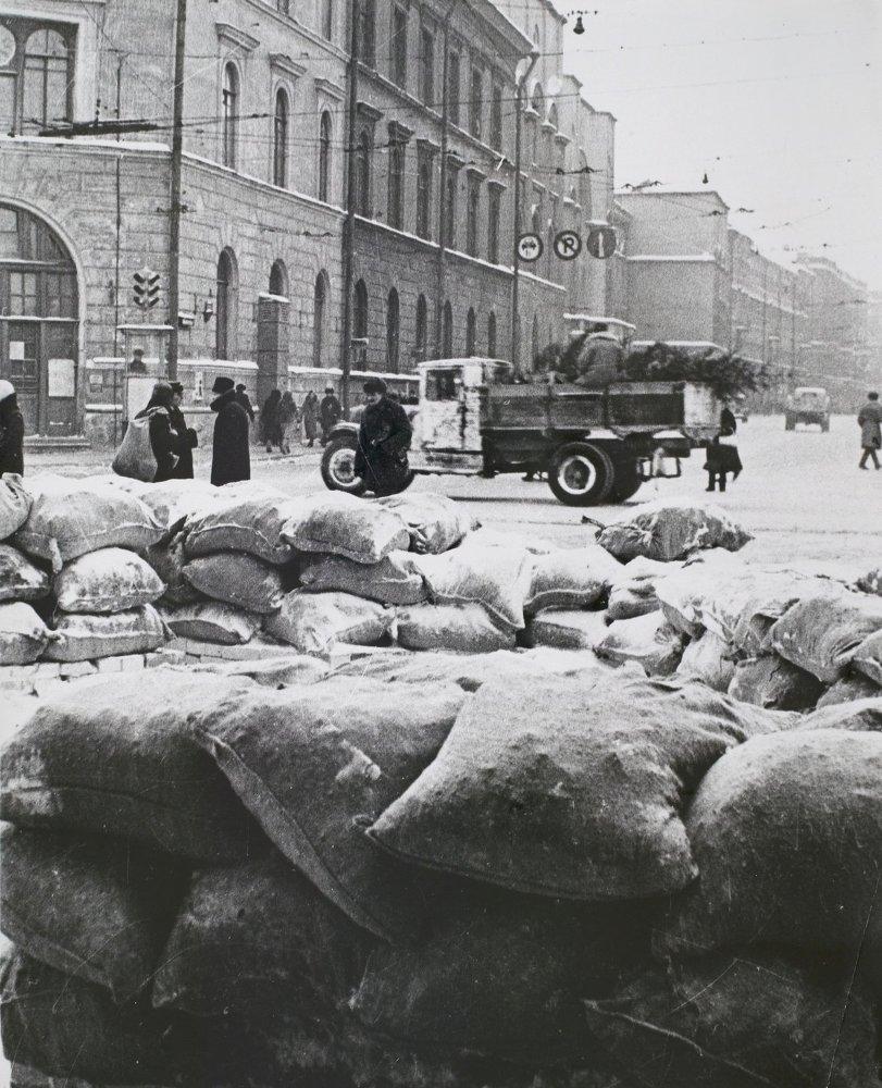 Des fortifications devant la gare Kievski, 1941