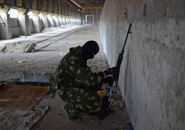 Un combattant de la république populaire de Lougansk