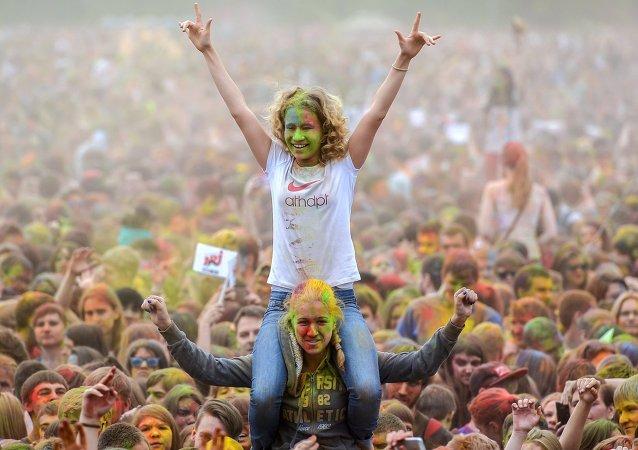 Holi, la fête indienne des couleurs à Moscou