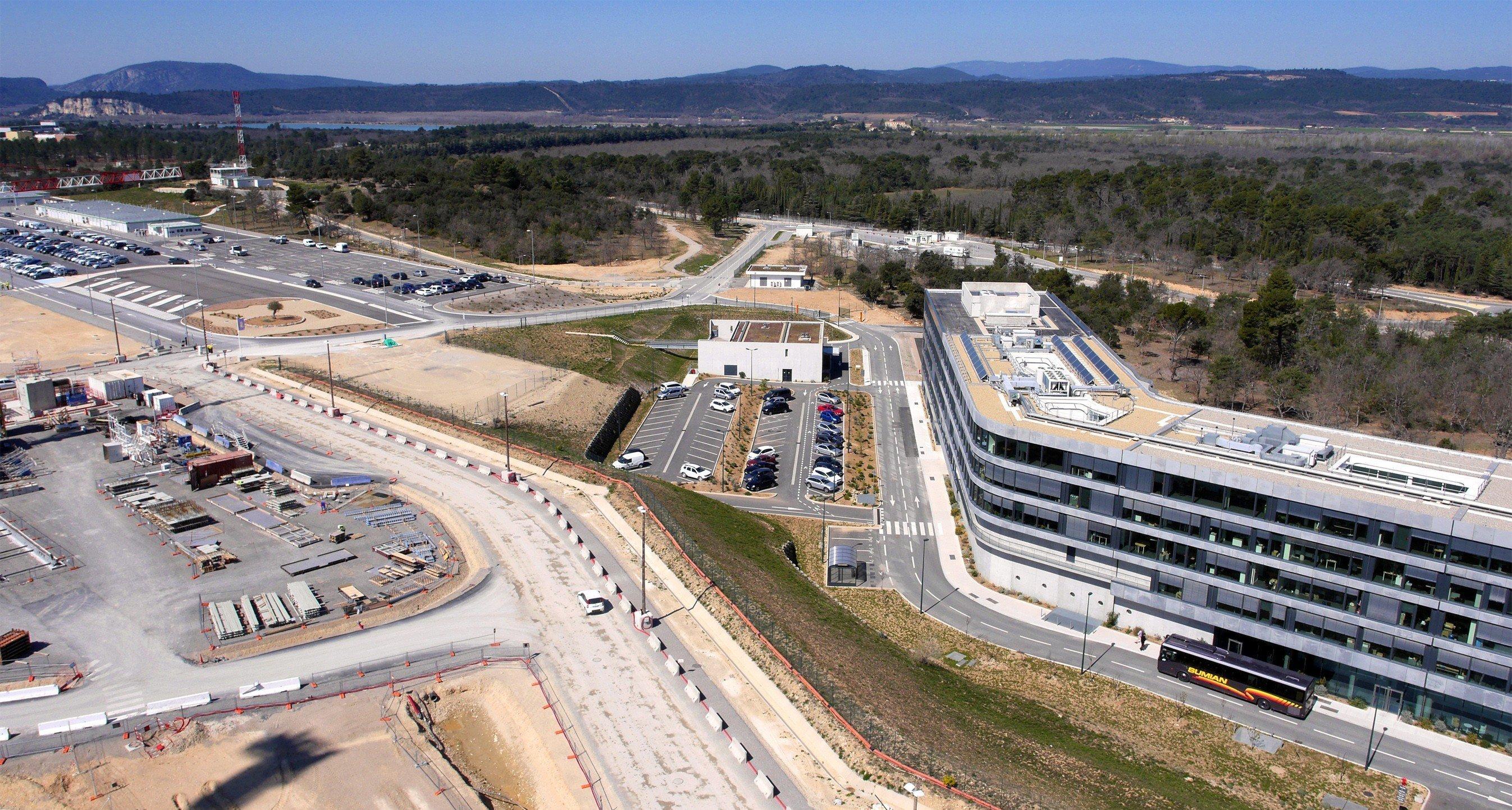 Construction du réacteur thermonucléaire expérimental ITER