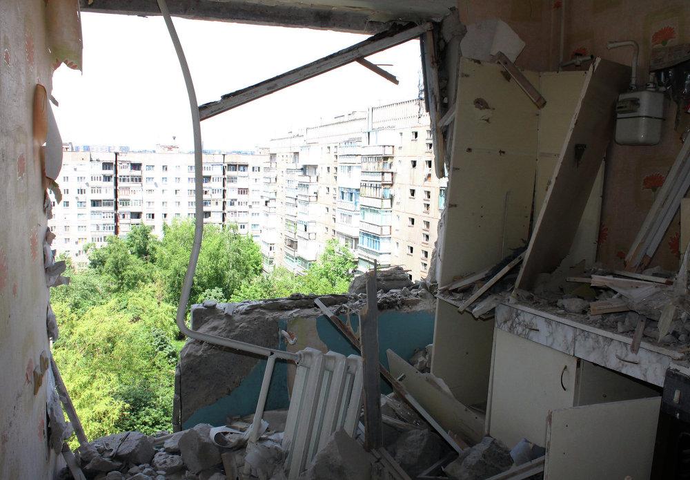 Un appartement touché par les bombardements de Gorlovka, région de Donetsk