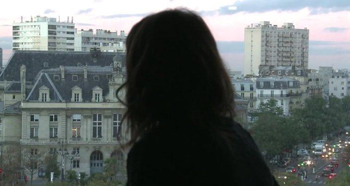La journaliste française Anna Erelle raconte comment elle est devenue la femme virtuelle d'un djihadiste