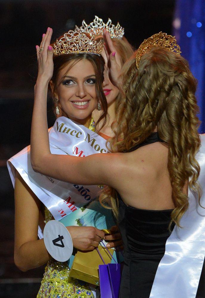 Miss Moscou-2015 Oksana Voevodina