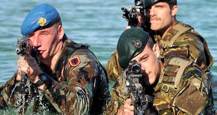Troupes de l'OTAN. Photo d'illustration