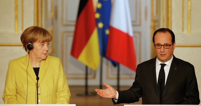 German Chancellor Angela Merkel (L) listens to French President Francois Hollande during a joint news conference after talks at the Elysee Palace in Paris February 20, 2015.