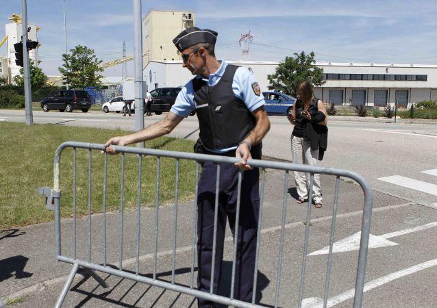 L'enquête sur l'attentat commis dans une usine en France