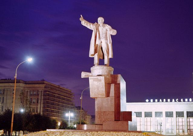 Une statue de Lénine à Saint-Pétersbourg