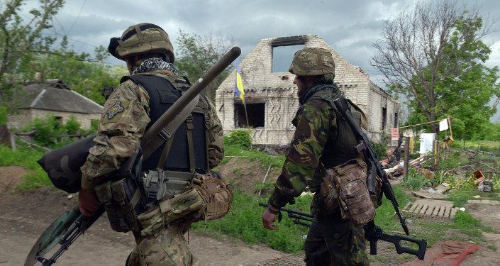 Des militaires de l'armée ukrainienne, Ukraine, mai 2015