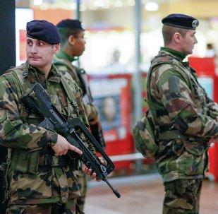 Des militaires français en patrouille
