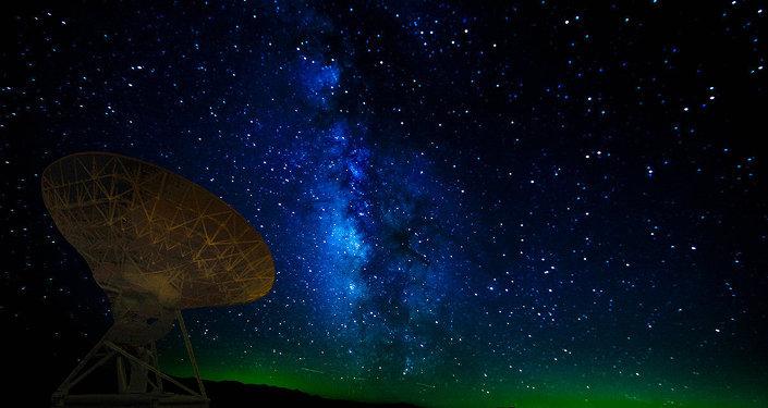 SETI, que l'on peut traduire par recherche d'une intelligence extraterrestre
