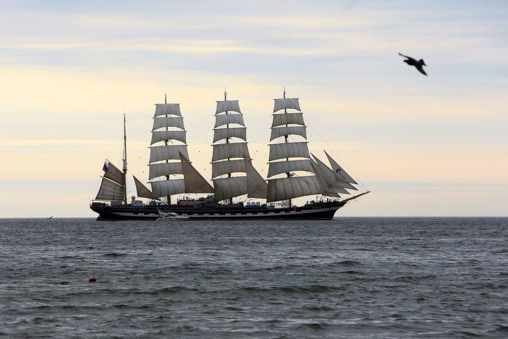 Le navire-école russe Krusenstern en mer Baltique