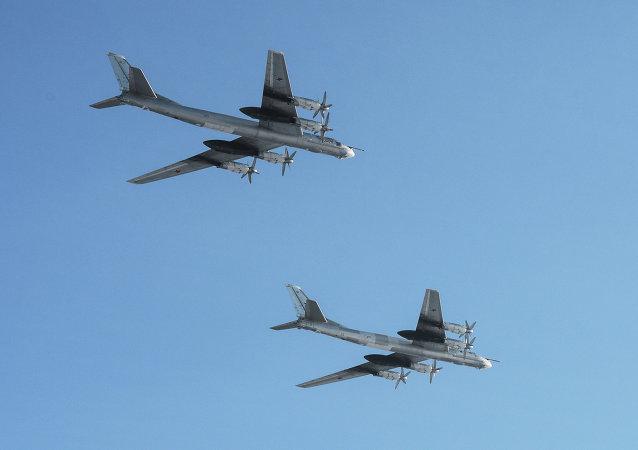 Des bombardiers stratégiques russes Tu-95