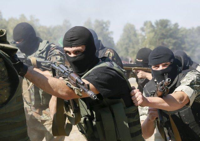 Les exercices de la Garde nationale d'Ukraine près de Kiev