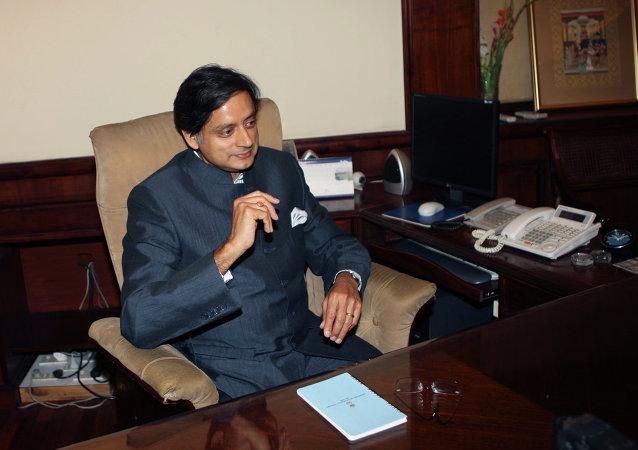 Shashi Tharoor