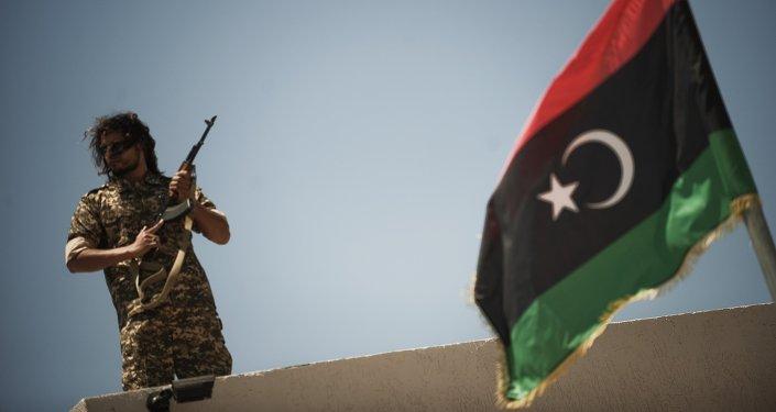Un garde de la prison libyenne