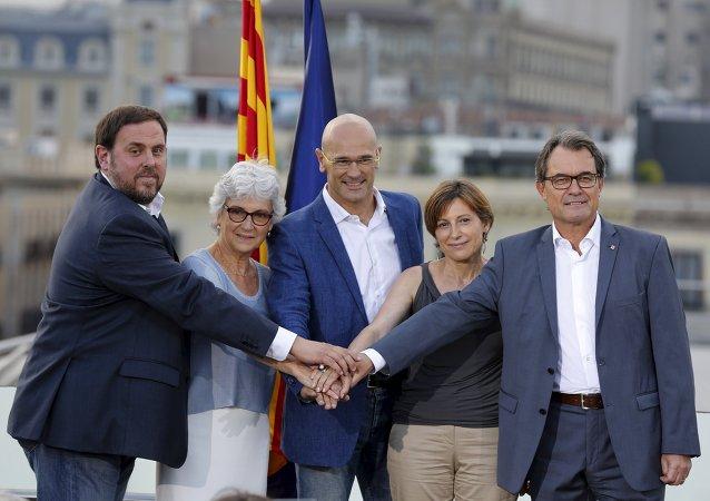 Les indépendantistes catalans : Oriol Junqueras, Muriel Casals, Raul Romeva, Carme Forcadell et Artur Mas