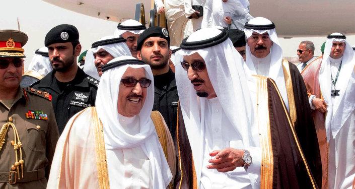 Le roi d'Arabie saoudite Salmane ben Abdelaziz Al Saoud et l'émir du Koweït  Sabah Al Ahmed Al Sabah