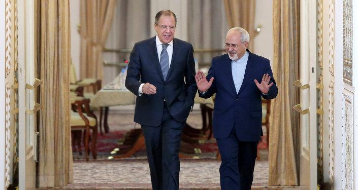 Sergueï Lavrov et Mohammad Javad Zari