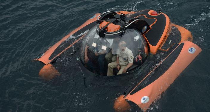 L'immersion de Vladimir Poutine en bathyscaphe dans la mer Noire