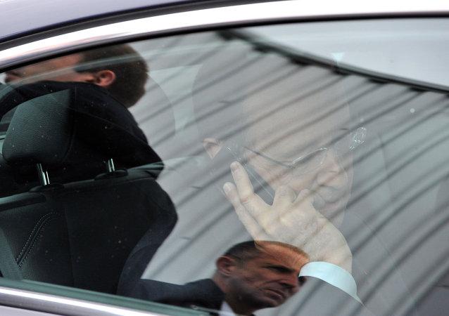 Le Président de la République, François Hollande, risque de laisser après lui une France endettée jusqu'au cou. En moins de trois mois, la France aurait perdu 54 milliards d'euros.