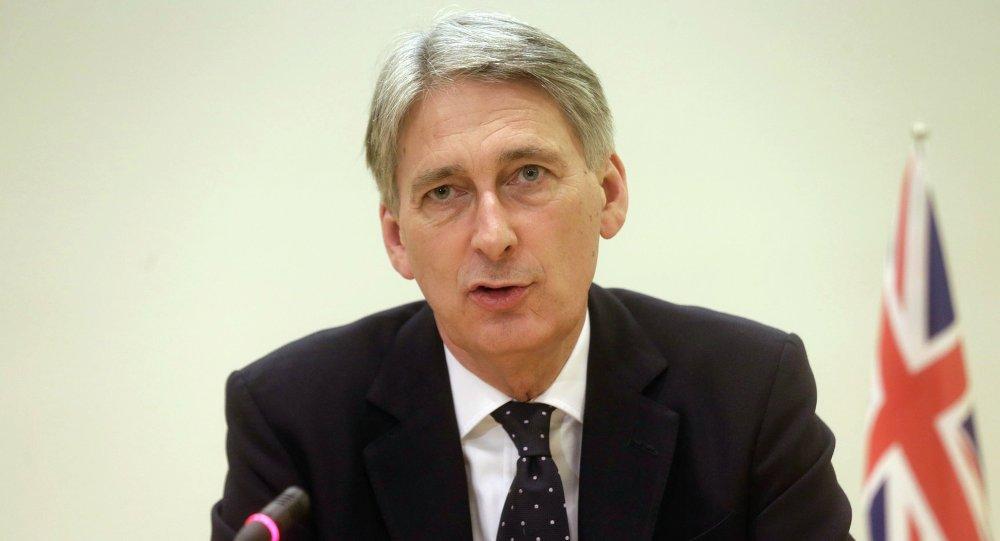 Le secrétaire britannique aux Affaires étrangères Philip Hammond lors d'une conférence de presse à Tallinn (Estonie) le 23 février 2015