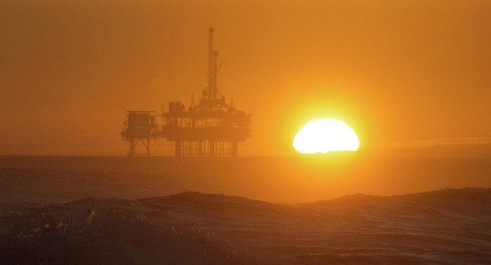 Une plate-forme pétrolière