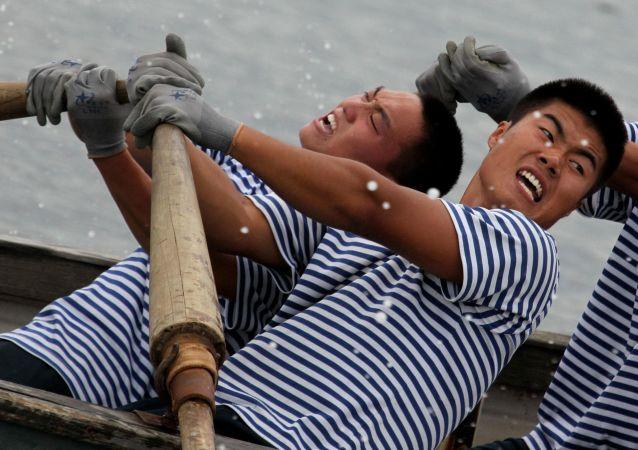Des marins chinois