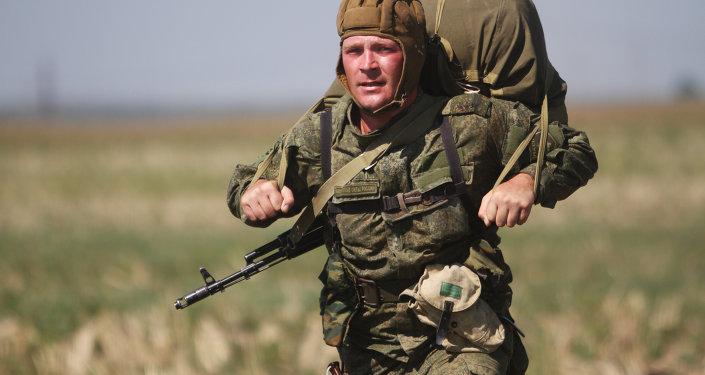 Les exercices militaires Fraternité slave avec la participation de la Russie, de la Biélorussie et de la Serbie, septembre 2015