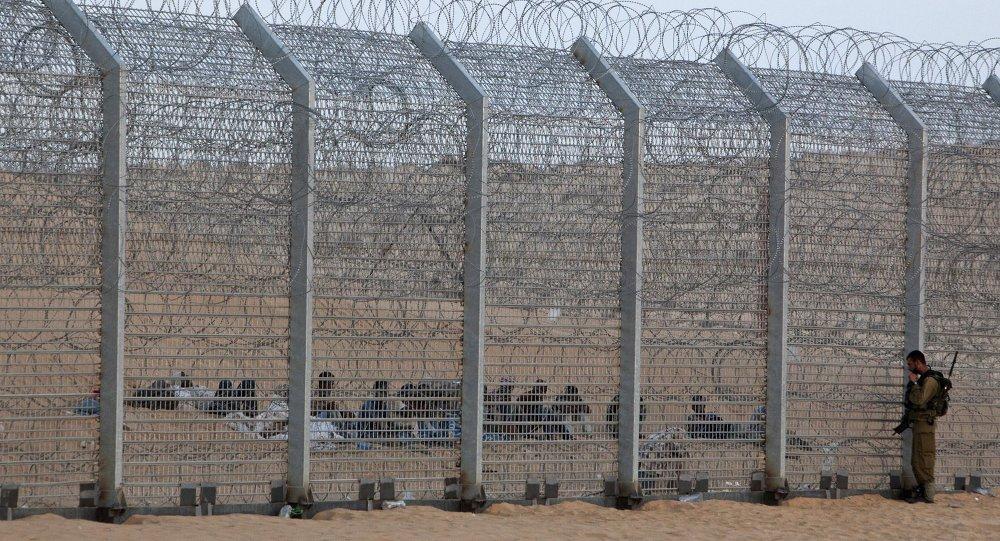 Migrants près de la frontière entre Israël et l'Egypte. Image d'illustration