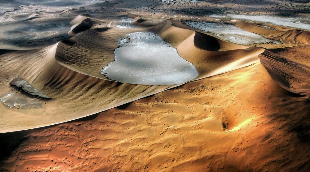 Les dunes du désert du Namib vues du ciel