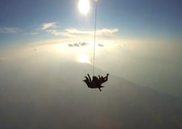 Parachutisme: compilation à couper le souffle
