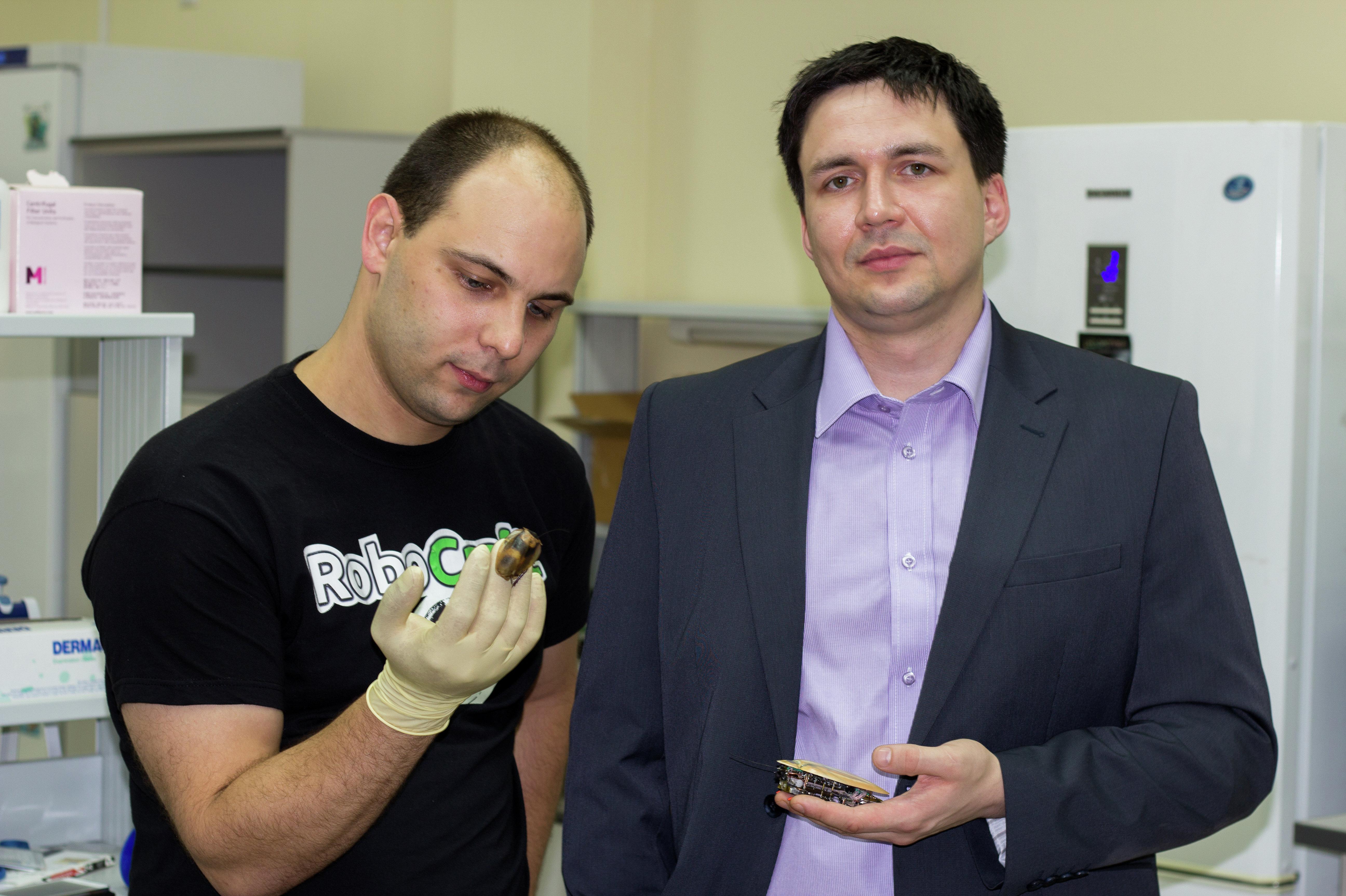 Les constructeurs du projet Alexei Belooussov et Daniil Bortschevkine