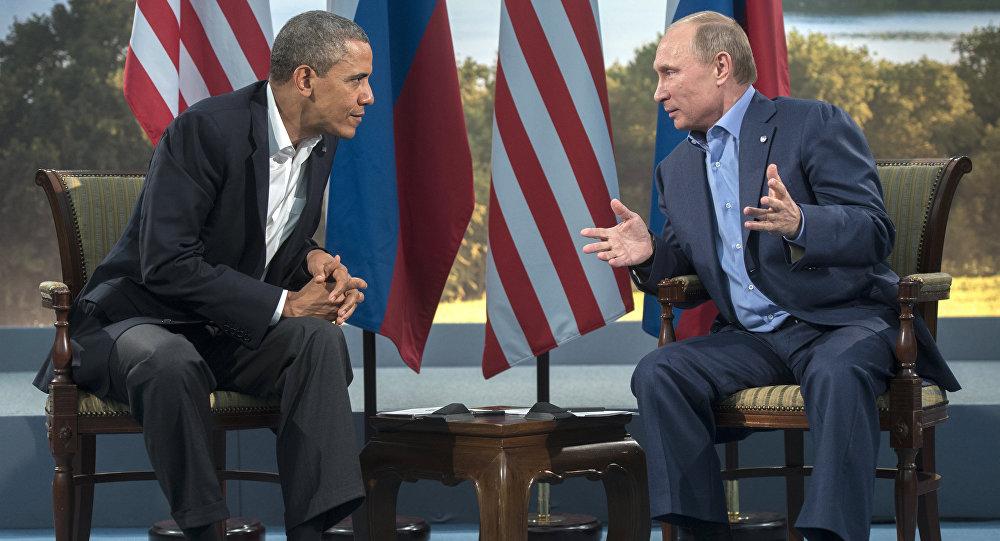 Le président russe Vladimir Poutine et le président américain Barack Obama