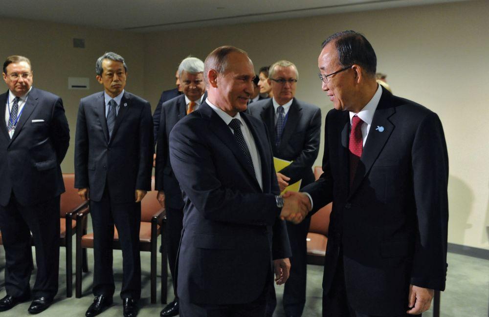 Le secrétaire général de l'Onu Ban Ki-moon et le président russe Vladimir Poutine lors de leur rencontre dans le cadre de la 70e session de l'Assemblée générale de l'Onu à New York