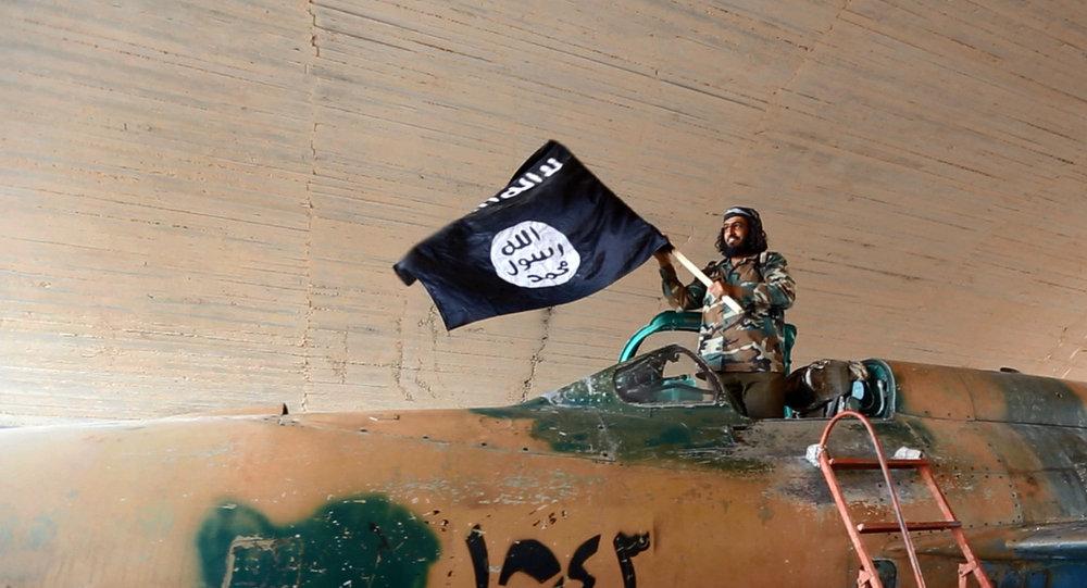 Daech croulant sous la pression, va-t-il céder sa capitale Raqqa?