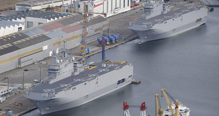 Les deux BPC de classe Mistral construits pour la Russie, mais revendus à l'Egypte