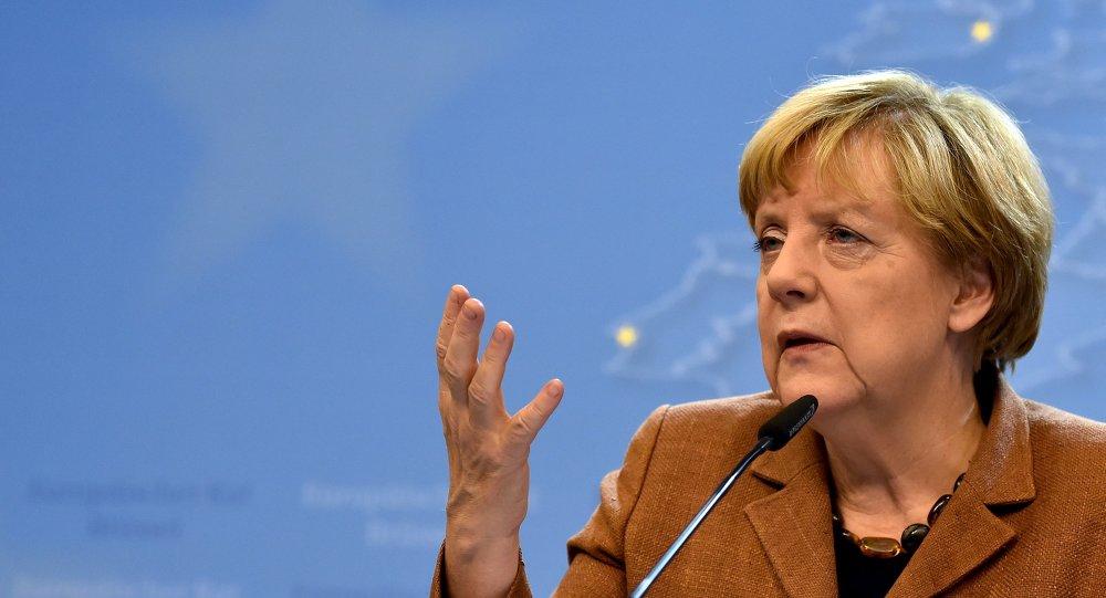 Merkel: pas de solution en Syrie sans l'aide de Moscou