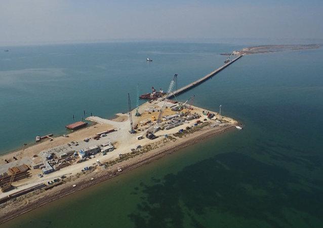 La construction du pont au-dessus du détroit de Kertch