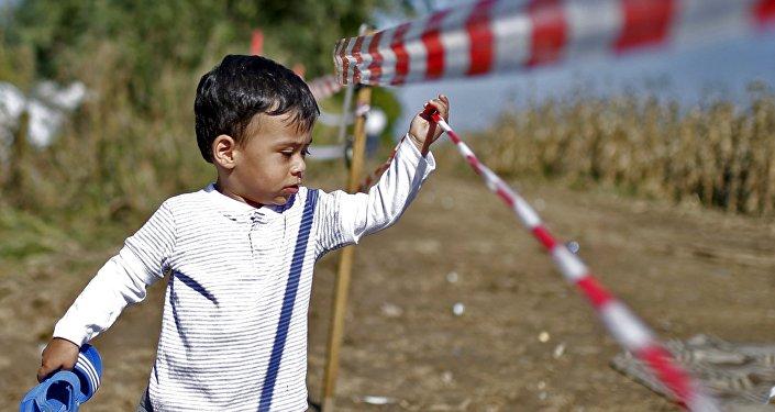 enfant des migrants.Serbie